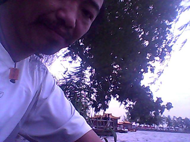 20140525万建民,今天17;30多出门,在玄武湖门那里的湖边转了会,今日事渗下流,角旁暘【饮人之酒,翻对柁柄【把柄】,是指去的路上公交车上电子狗【经常变态电子狗】还是我在干嘛、神灵可鉴,酒谁喝了我万建民不知道.回来刷北京银行卡买了10.70元的水和面包。。 - 万建民 - www7215www 的博客