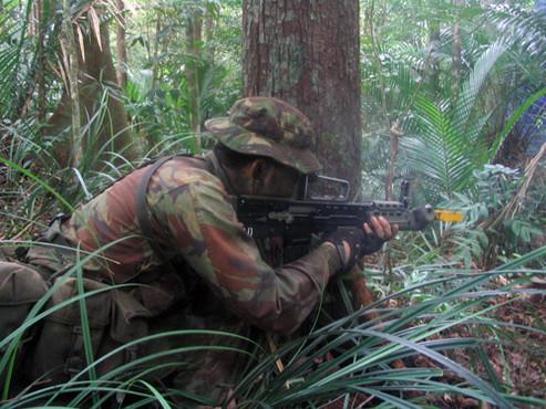英军丛林迷彩作战服