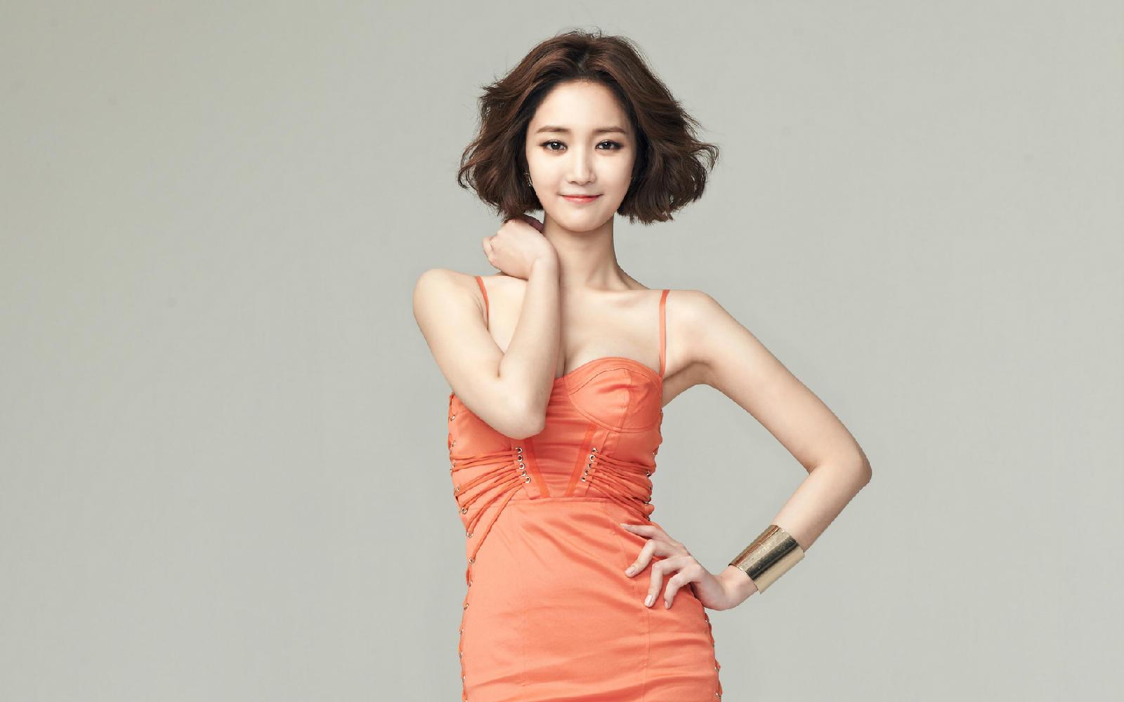 韩国美女明星高俊熙性感写真